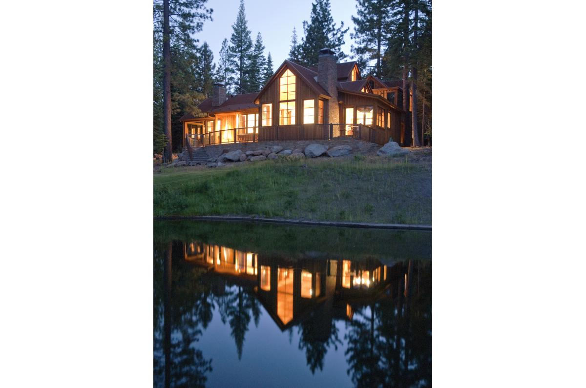 Polsky Perlstein Architects - <em>Edit New Homes Gallery</em> Tahoe Contemporary Wood Vacation Home
